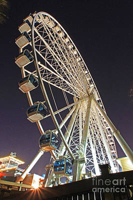 Photograph - Skywheel Closed by Gene Berkenbile