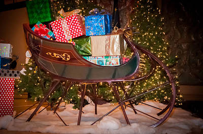 Photograph - Sleigh Display by Gene Sherrill