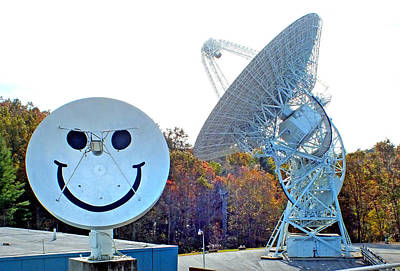 Photograph - Smiley And 26 West Antennas by Duane McCullough