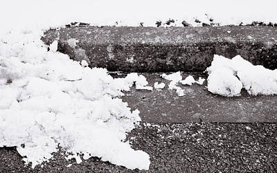 Ent Photograph - Snow By The Kerb by Tom Gowanlock