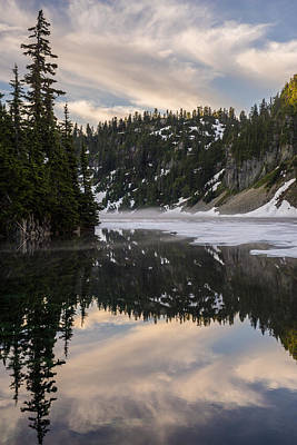 Snoqualmie Photograph - Snow Lake Last Fog by Mike Reid