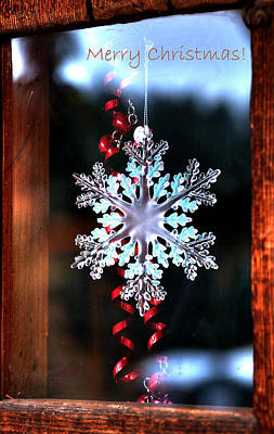 Photograph - Snowflake In Window Text 20510 by Jerry Sodorff