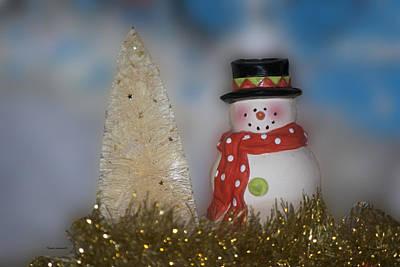 Tom Woolworth Digital Art - Snowman With Xmas Tree by Thomas Woolworth
