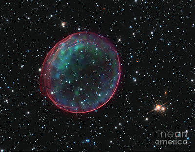 Heavenly Body Photograph - Snr 0509-67.5, Supernova Remnant by Science Source