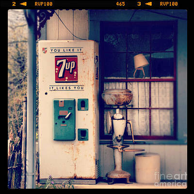 7 Up Photograph - Soda Vending Machine by Jill Battaglia