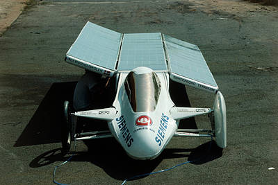 Solar Car Entrant For World Solar Challenge '87 Art Print by Peter Menzel/science Photo Library