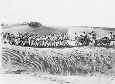 Hauling Photograph - Soldiers Pulling Field Guns by Library Of Congress