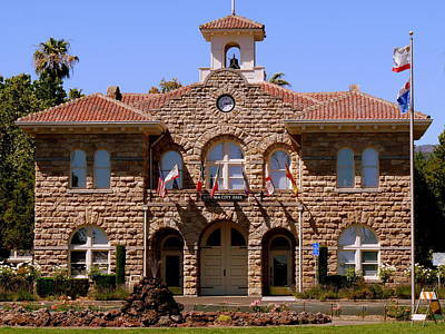 Photograph - Sonoma City Hall by Jeff Lowe