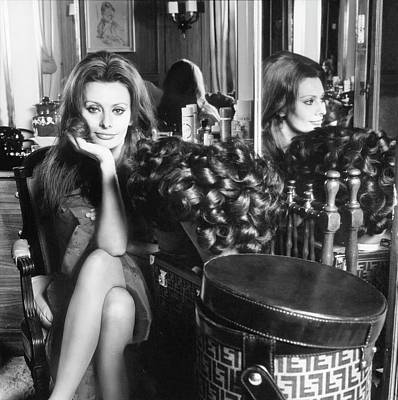Photograph - Sophia Loren With A Fendi Hat Box by Henry Clarke
