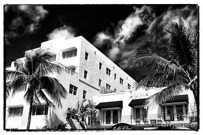 Photograph - South Beach Style by John Rizzuto