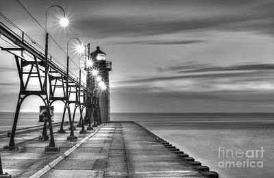 Pier Houses Photograph - South Haven Lighthouse by Twenty Two North Photography