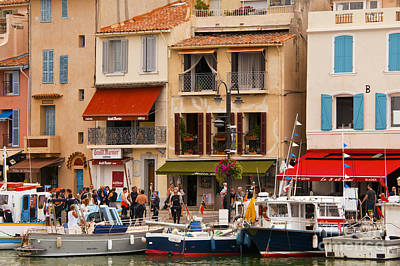 South Of France Fishing Village Art Print by Bob Phillips