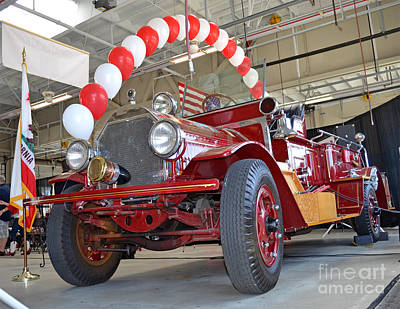 Photograph - South San Francisco's Restored 1916 Seagrave Fire Engine II by Jim Fitzpatrick