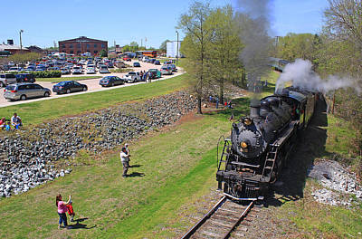 Photograph - Southern 2-8-0 #630 by Joseph C Hinson Photography