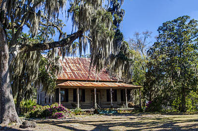 Red Roof Photograph - Southern Comfort by Debra and Dave Vanderlaan