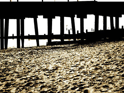 Southwold Painting - Southwold Pier by Vaughan Keal