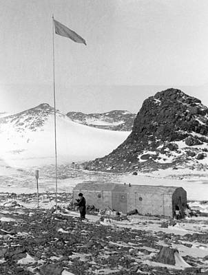 3rd Base Photograph - Soviet 'oasis' Antarctic Station, 1958 by Science Photo Library