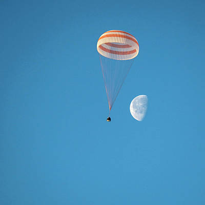No. 12 Photograph - Soyuz Tma-14m Descent Module Landing by Nasa/bill Ingalls