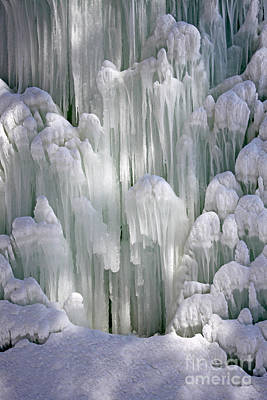 Photograph - Spectacular Ice Fountain In Letchworth State Park - 5 by Tom Doud