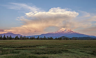 Photograph - Spectacular Shasta Valley Sunset by Loree Johnson