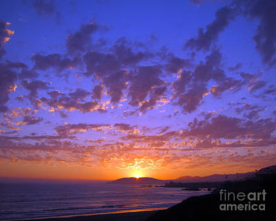 Spectacular Sunset  Art Print by Debra Thompson