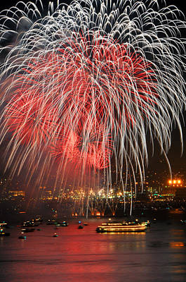 Spectator Boats Beneath A San Francisco 4th Of July Fireworks Show Art Print by Scott Lenhart