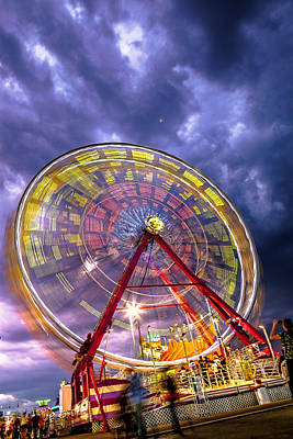 Photograph - Spinner by Sennie Pierson