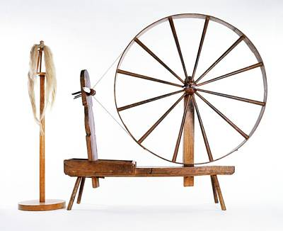 Spinning Wheel Photograph - Spinning Wheel And Wool by Dorling Kindersley/uig