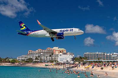 Spirit Airlines Low Approach To St. Maarten Art Print
