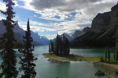 Photograph - Spirit Island In Maligne Lake by Georgia Hamlin