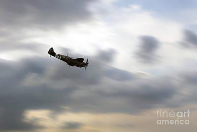 Mkix Digital Art - Spitfire Dive  by J Biggadike