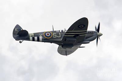 Aviation Photograph - Spitfire Mk356 by J Biggadike
