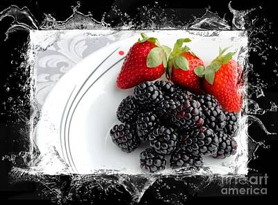 Splash - Fruit - Strawberries And Blackberries Print by Barbara Griffin