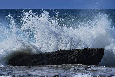 Splashing Ocean In Laguna Beach Art Print
