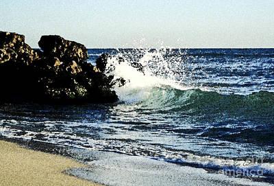 Splashing Wave Art Print