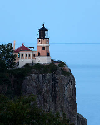 Photograph - Split Rock Lighthouse In The Evening by George Jones