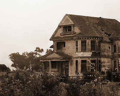 Photograph - Spooky House by Tamyra Crossley