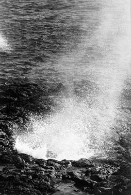 Photograph - Spouting Horn - Black And White by Alohi Fujimoto