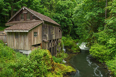 Old Mills Photograph - Spring At Cedar Creek Grist Mill by Patricia Davidson