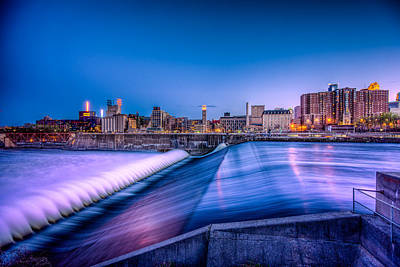 Photograph - St. Anthony Falls In Minneapolis by Mark Goodman