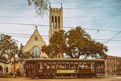 St. Charles Streetcar Driving By Christ Church Cathedral In New Orleans Garden District - Louisiana Art Print