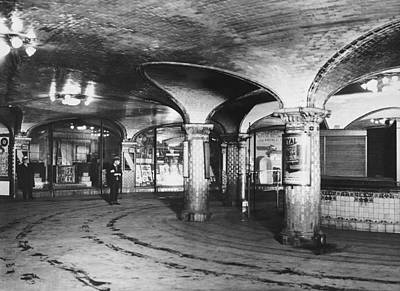 Concourse Photograph - st. Lazare Subway Station by Underwood Archives