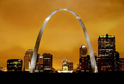 St Louis Photograph - St Louis Arch With Overcast Skies by Garry McMichael