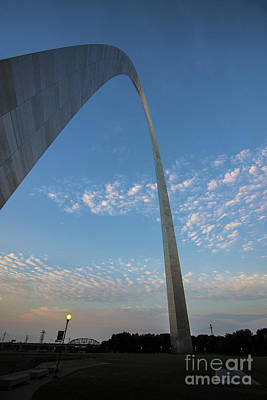Photograph - St. Louis Gateway Arch Sunrise 30 by David Haskett