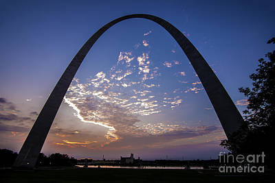 Photograph - St. Louis Gateway Arch Sunrise  8895 by David Haskett