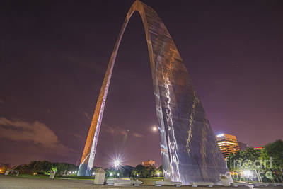 Photograph - St. Louis Missouri Gateway Arch Night 9422 by David Haskett