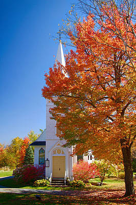 Photograph - St Matthew's In Autumn Splendor by Jeff Folger