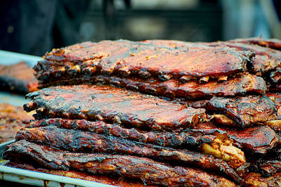 Que Photograph - Stack Of Bbq Ribs by Berkehaus Photography