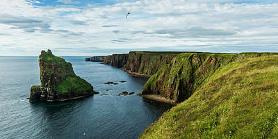 Stacks Of Duncansby And The Rugged Art Print by Keith Levit