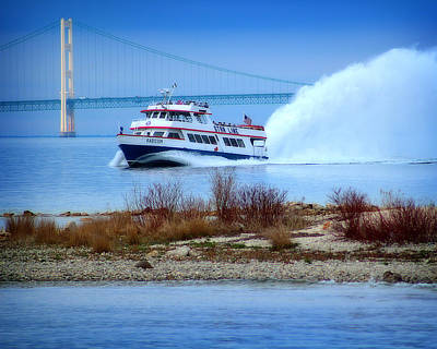Photograph - Star Line And The Mighty Mac by Scott Hovind